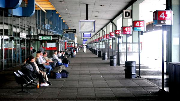 La UTA paraliza la terminal de Retiro para reclamar seguridad