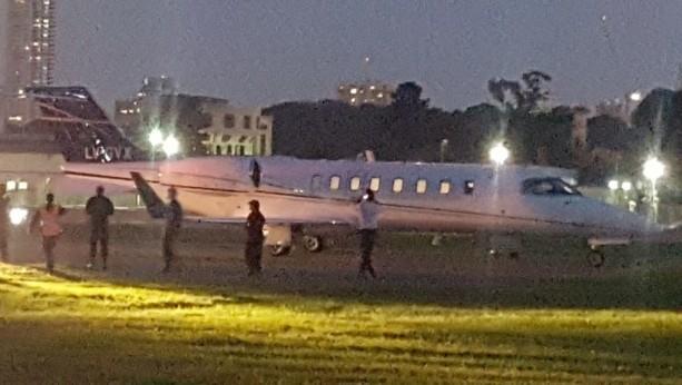Un jet privado despistó en Aeroparque y derivan vuelos a Ezeiza