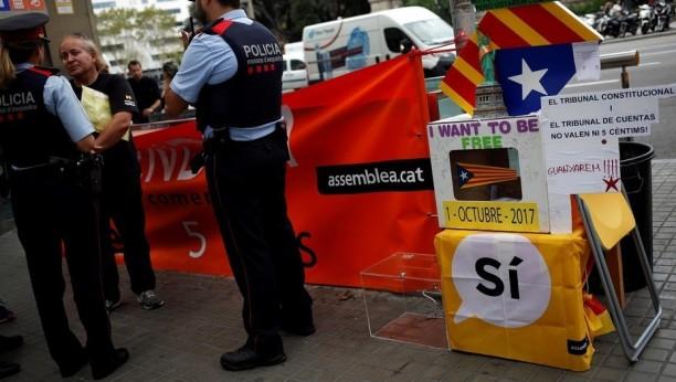 La policía desalojará los colegios de votación — Referéndum catalán