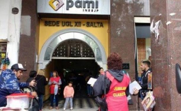 Una mujer fue golpeada en PAMI cuando creyeron que era boliviana — Tremendo