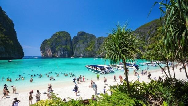 Paradisíaca playa tailandesa será clausurada al público por daños ambientales