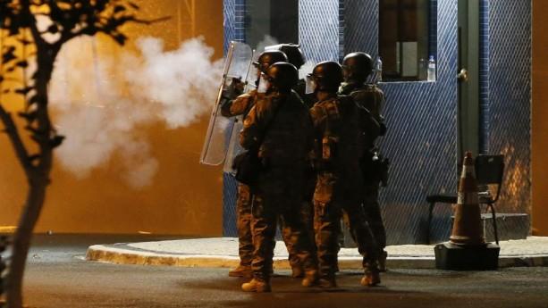 Lula se entrega a la Policía Federal