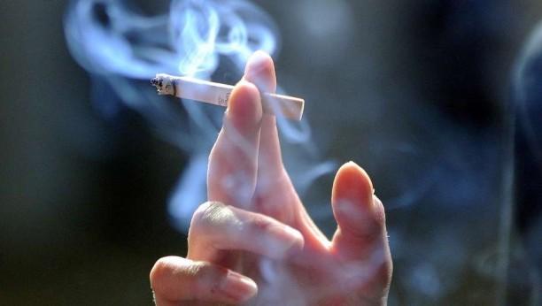 Vuelven a subir los precios de los cigarrillos — Locura