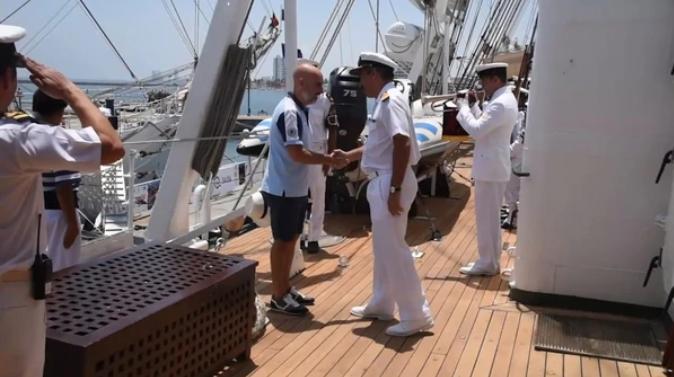 Un embajador recibió a la Fragata Libertad en bermudas — Indignación y polémica