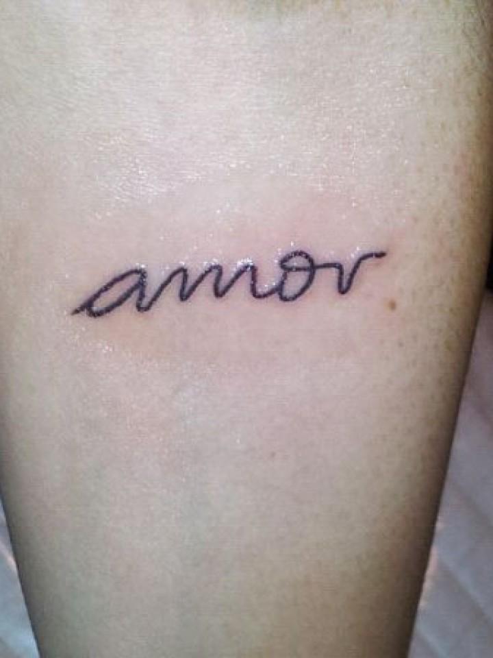 Qué Actriz Se Hizo Un Tattoo Dedicado A Su Novio 24con